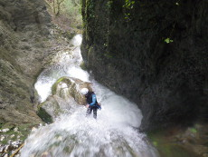ropose des sorties de canyoning, sp�l�ologie, rand